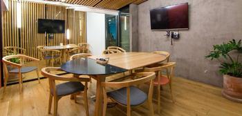 NEX-37916 - Oficina en Renta en San Miguel Chapultepec I Sección, CP 11850, Ciudad de México, con 4 baños, con 9 m2 de construcción.