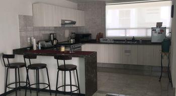 NEX-13546 - Casa en Venta en Residencial el Refugio, CP 76146, Querétaro, con 3 recamaras, con 3 baños, con 1 medio baño, con 240 m2 de construcción.