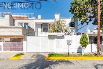 NEX-40180 - Casa en Venta en Jacarandas, CP 54050, México, con 3 recamaras, con 2 baños, con 1 medio baño, con 174 m2 de construcción.