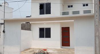 NEX-16169 - Casa en Venta en Venustiano Carranza, CP 94297, Veracruz de Ignacio de la Llave, con 3 recamaras, con 3 baños, con 1 medio baño, con 175 m2 de construcción.