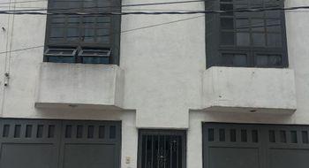 NEX-13681 - Casa en Venta en San Lorenzo Tezonco, CP 09790, Ciudad de México, con 4 recamaras, con 2 baños, con 1 medio baño, con 175 m2 de construcción.