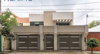 NEX-13703 - Casa en Venta en Colón Echegaray, CP 53300, México, con 4 recamaras, con 3 baños, con 1 medio baño, con 320 m2 de construcción.