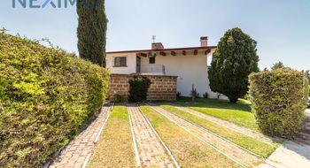 NEX-5683 - Casa en Venta en Club de Golf Tequisquiapan, CP 76799, Querétaro, con 3 recamaras, con 3 baños, con 1 medio baño, con 404 m2 de construcción.