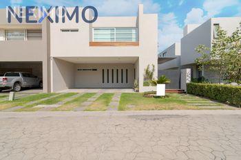 NEX-40209 - Casa en Venta, con 3 recamaras, con 4 baños, con 1 medio baño, con 331 m2 de construcción en Puertas Del Tule, CP 45017, Jalisco.