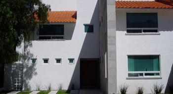 NEX-14404 - Casa en Renta en Rinconada de los Alamos, CP 76160, Querétaro, con 4 recamaras, con 3 baños, con 1 medio baño, con 300 m2 de construcción.