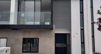 NEX-16056 - Casa en Venta en Residencial el Refugio, CP 76146, Querétaro, con 3 recamaras, con 2 baños, con 1 medio baño, con 118 m2 de construcción.