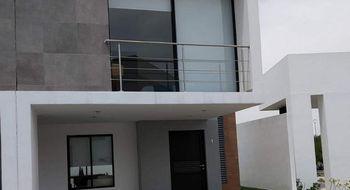 NEX-16064 - Casa en Venta en Residencial el Refugio, CP 76146, Querétaro, con 3 recamaras, con 2 baños, con 1 medio baño, con 132 m2 de construcción.