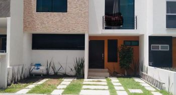 NEX-14099 - Casa en Renta en El Mirador, CP 76134, Querétaro, con 3 recamaras, con 2 baños, con 1 medio baño, con 100 m2 de construcción.