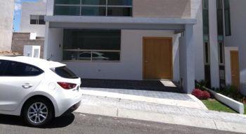 NEX-15570 - Casa en Venta en El Mirador, CP 76134, Querétaro, con 3 recamaras, con 2 baños, con 1 medio baño, con 1 m2 de construcción.