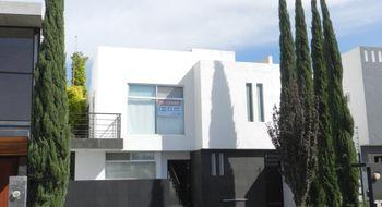 NEX-20518 - Casa en Venta en Residencial el Refugio, CP 76146, Querétaro, con 3 recamaras, con 3 baños, con 1 medio baño, con 198 m2 de construcción.