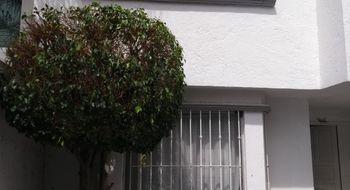 NEX-14037 - Casa en Venta en Jurica, CP 76100, Querétaro, con 3 recamaras, con 2 baños, con 1 medio baño, con 200 m2 de construcción.