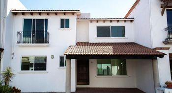 NEX-18370 - Casa en Renta en Centro Sur, CP 76090, Querétaro, con 4 recamaras, con 5 baños, con 200 m2 de construcción.