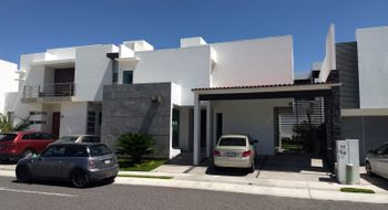 NEX-20285 - Casa en Renta en Misión San Jerónimo, CP 76149, Querétaro, con 3 recamaras, con 3 baños, con 1 medio baño, con 250 m2 de construcción.