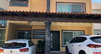 NEX-25635 - Casa en Renta en Centro Sur, CP 76090, Querétaro, con 3 recamaras, con 3 baños, con 1 medio baño, con 264 m2 de construcción.