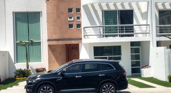 NEX-6530 - Casa en Renta en Juriquilla, CP 76226, Querétaro, con 3 recamaras, con 3 baños, con 1 medio baño, con 318 m2 de construcción.