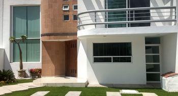 NEX-6549 - Casa en Renta en Juriquilla, CP 76226, Querétaro, con 3 recamaras, con 3 baños, con 1 medio baño, con 318 m2 de construcción.