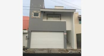 NEX-14967 - Casa en Venta en Costa de Oro, CP 94299, Veracruz de Ignacio de la Llave, con 3 recamaras, con 5 baños, con 355 m2 de construcción.