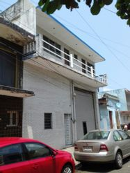 NEX-29887 - Bodega en Venta en Veracruz Centro, CP 91700, Veracruz de Ignacio de la Llave, con 4 recamaras, con 3 baños, con 1 medio baño, con 518 m2 de construcción.