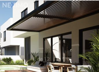 NEX-32920 - Casa en Venta en Yucatán Country Club, CP 97308, Yucatán, con 4 recamaras, con 4 baños, con 1 medio baño, con 420 m2 de construcción.