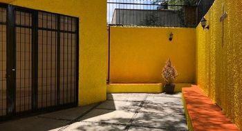 NEX-16568 - Casa en Renta en Del Carmen, CP 04100, Ciudad de México, con 3 recamaras, con 2 baños, con 1 medio baño, con 208 m2 de construcción.