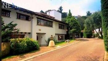 NEX-38670 - Casa en Venta en San Bartolo Ameyalco, CP 01800, Ciudad de México, con 3 recamaras, con 4 baños, con 2 medio baños, con 354 m2 de construcción.