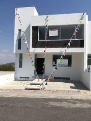 NEX-40996 - Casa en Venta en Punta Esmeralda, CP 76906, Querétaro, con 4 recamaras, con 3 baños, con 255 m2 de construcción.