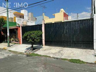 NEX-47345 - Terreno en Venta, con 120 m2 de construcción en Los Cipreses, CP 04830, Ciudad de México.