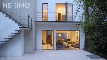 NEX-48015 - Casa en Renta, con 3 recamaras, con 3 baños, con 2 medio baños, con 280 m2 de construcción en Santa Catarina, CP 04010, Ciudad de México.