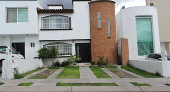 NEX-14595 - Casa en Renta en Centro Sur, CP 76090, Querétaro, con 3 recamaras, con 2 baños, con 1 medio baño, con 172 m2 de construcción.