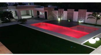 NEX-20248 - Casa en Venta en Cholul, CP 97305, Yucatán, con 6 recamaras, con 6 baños, con 3 medio baños, con 726 m2 de construcción.