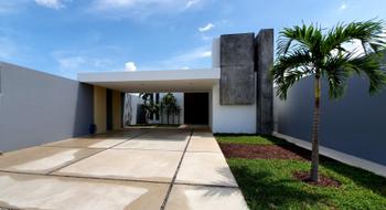 NEX-15157 - Casa en Venta en Villas de Conkal, CP 97345, Yucatán, con 4 recamaras, con 6 baños, con 1 medio baño, con 294 m2 de construcción.