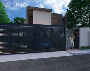 NEX-15310 - Casa en Venta, con 3 recamaras, con 4 baños, con 1 medio baño, con 245 m2 de construcción en Montevideo, CP 97133, Yucatán.