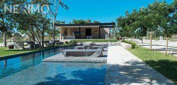 NEX-22441 - Casa en Venta, con 3 recamaras, con 4 baños, con 1 medio baño, con 270 m2 de construcción en Conkal, CP 97345, Yucatán.