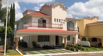 NEX-15606 - Casa en Renta en Bugambilias, CP 45238, Jalisco, con 4 recamaras, con 3 baños, con 1 medio baño, con 420 m2 de construcción.