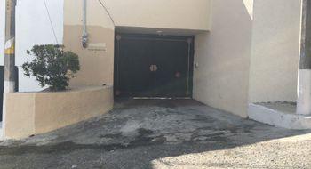NEX-15822 - Casa en Venta en Club Deportivo, CP 39690, Guerrero, con 3 recamaras, con 2 baños, con 2 medio baños, con 714 m2 de construcción.