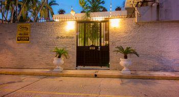NEX-15892 - Casa en Venta en Club Deportivo, CP 39690, Guerrero, con 6 recamaras, con 10 baños, con 2 medio baños, con 1062 m2 de construcción.