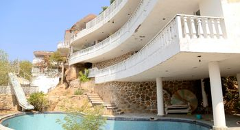 NEX-16481 - Casa en Venta en Las Playas, CP 39390, Guerrero, con 7 recamaras, con 7 baños, con 1200 m2 de construcción.