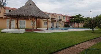 NEX-22624 - Casa en Venta en Llano Largo, CP 39906, Guerrero, con 4 recamaras, con 2 baños, con 1 medio baño, con 1 m2 de construcción.