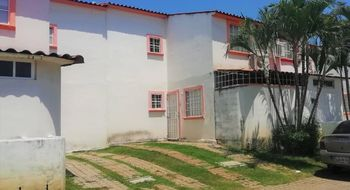 NEX-24300 - Casa en Venta en Llano Largo, CP 39906, Guerrero, con 3 recamaras, con 2 baños, con 1 medio baño, con 101 m2 de construcción.
