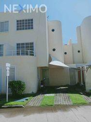 NEX-36907 - Casa en Venta, con 5 recamaras, con 4 baños, con 1 medio baño, con 143 m2 de construcción en Puente del Mar, CP 39893, Guerrero.