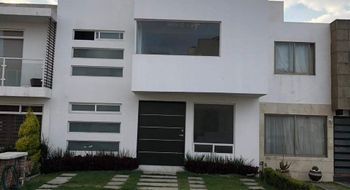 NEX-15131 - Casa en Venta en San Mateo Otzacatipan, CP 50220, México, con 3 recamaras, con 4 baños, con 1 medio baño, con 190 m2 de construcción.