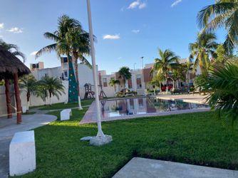 NEX-40686 - Casa en Renta en Jardines del Sur, CP 77536, Quintana Roo, con 2 recamaras, con 2 baños, con 1 m2 de construcción.