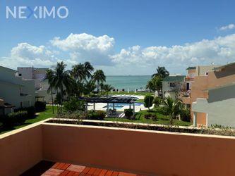 NEX-46938 - Casa en Renta, con 3 recamaras, con 3 baños, con 2 medio baños, con 250 m2 de construcción en Zona Hotelera, CP 77500, Quintana Roo.