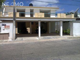 NEX-19794 - Casa en Venta, con 10 recamaras, con 7 baños, con 1 medio baño, con 740 m2 de construcción en Buenavista, CP 97127, Yucatán.