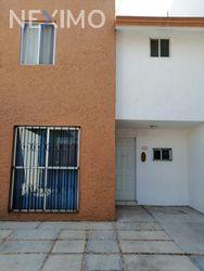 NEX-28448 - Casa en Venta, con 3 recamaras, con 1 baño, con 1 medio baño, con 70 m2 de construcción en Villas de Santiago, CP 76148, Querétaro.