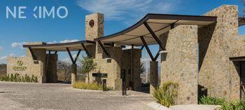 NEX-29332 - Casa en Venta, con 3 recamaras, con 2 baños, con 1 medio baño, con 195 m2 de construcción en Zibatá, CP 76269, Querétaro.