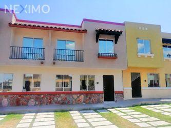 NEX-30060 - Casa en Venta, con 3 recamaras, con 2 baños, con 1 medio baño, con 106 m2 de construcción en Real Solare, CP 76246, Querétaro.