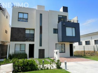 NEX-39065 - Casa en Venta, con 3 recamaras, con 2 baños, con 1 medio baño, con 119 m2 de construcción en Adara Lifestyle, CP 76246, Querétaro.