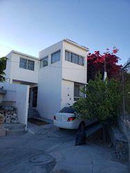 NEX-41305 - Casa en Venta en Misión de Santa Sofía, CP 76902, Querétaro, con 9 recamaras, con 5 baños, con 250 m2 de construcción.