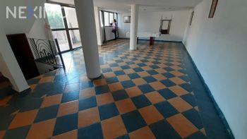 NEX-46654 - Casa en Venta, con 3 recamaras, con 2 baños, con 1 medio baño, con 417 m2 de construcción en Arboledas, CP 76140, Querétaro.